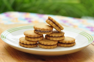 Biskut Hazelnut Nutella