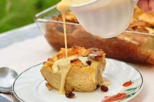 Puding Roti Dan Sos Vanilla