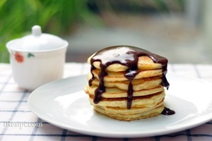 Pancake with Chocolate Gravy